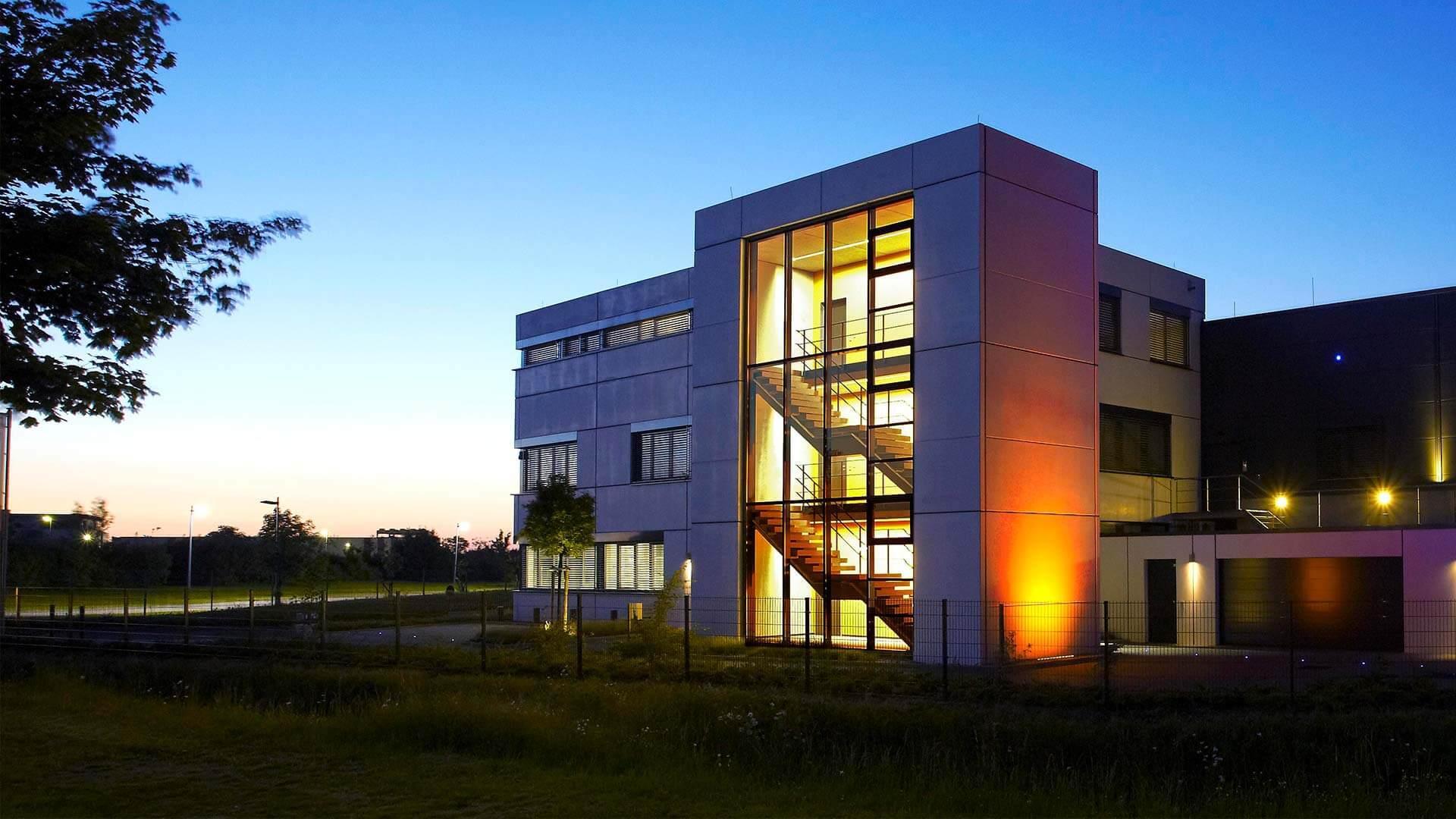 aixFOAM Schallschutz -  Das hochmoderne Produktionsgebäude in Eschweiler