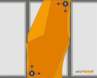 Le tissu est agrafé en croix dans les coins – d'abord en haut à droite, puis en bas à gauche.